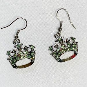 Beautiful crown earring with cz and green stones